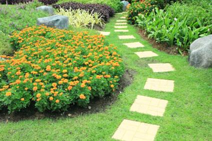 terrassen wege auffahrten pflasterarbeiten in natur und betonstein. Black Bedroom Furniture Sets. Home Design Ideas